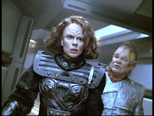 Star Trek: Voyager : Photo Ethan Phillips, Roxann Dawson