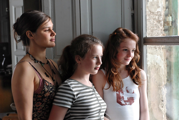 Merci, les enfants vont bien ! : Photo Marie Denarnaud, Rebecca Faura, Tilly Mandelbrot