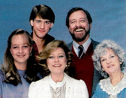 It Takes Two : Photo Anthony Edwards, Billie Bird, Helen Hunt, Patty Duke, Richard Crenna