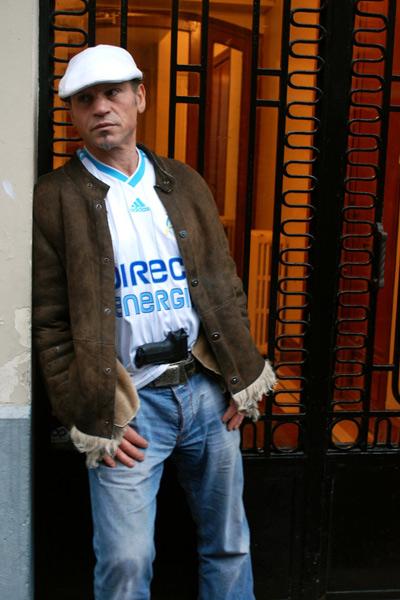 L'Etranger : Photo Franck Llopis, Jo Prestia