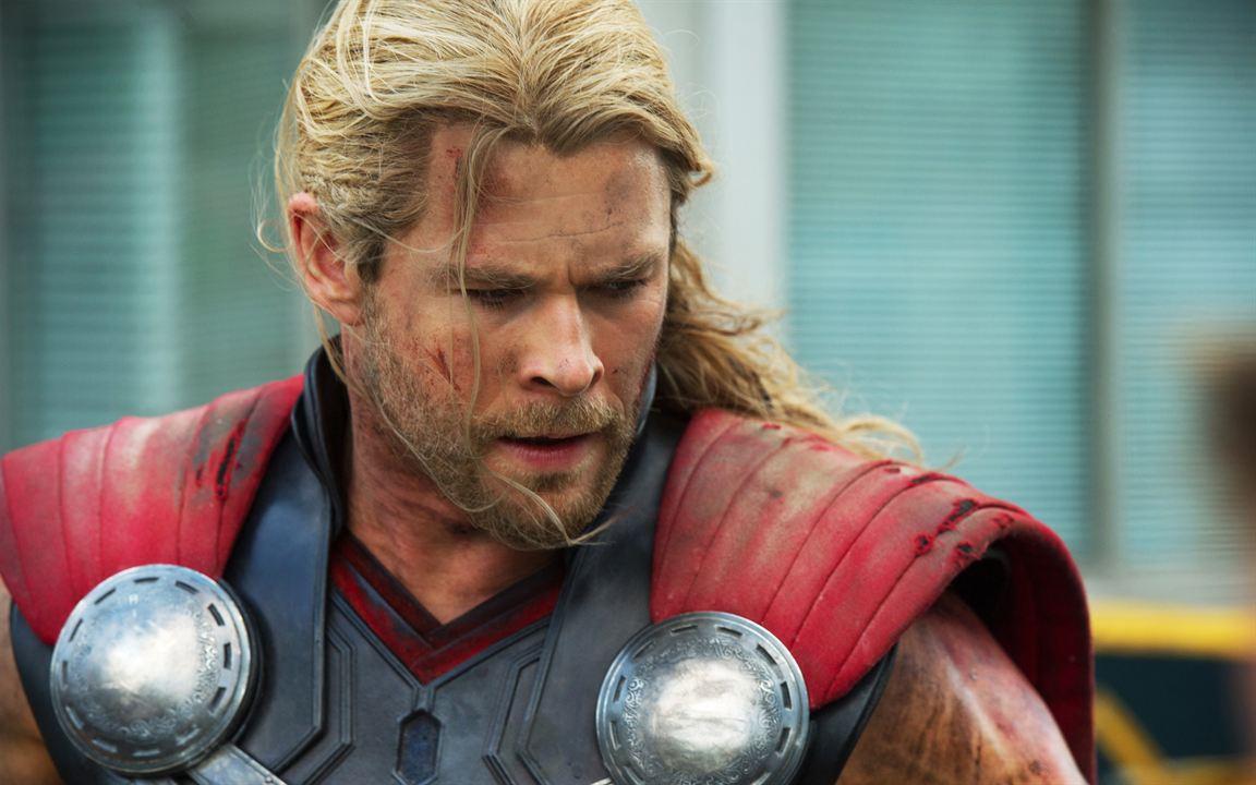 Barbe de 15 jours pour le dieu du tonnerre Thor