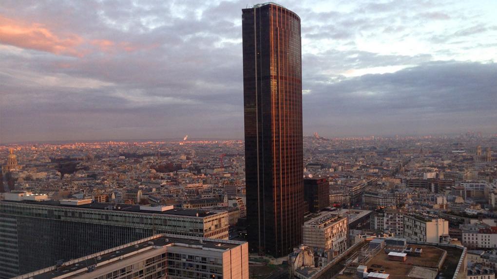 La tour Montparnasse dans le film du même nom, sorti en 2001.