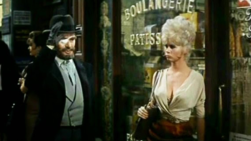 "Grace Lee Whitney dans le film ""Irma la douce"" de Billy Wilder"
