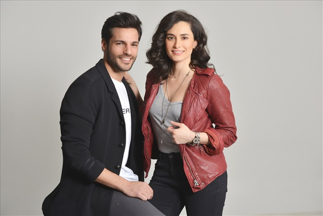 Photo promotionnelle Hande Dogandemir, Serkan Çayoglu