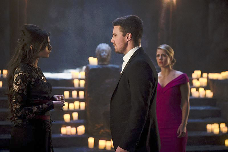 Photo Emily Bett Rickards, Gabriella Wright, Stephen Amell