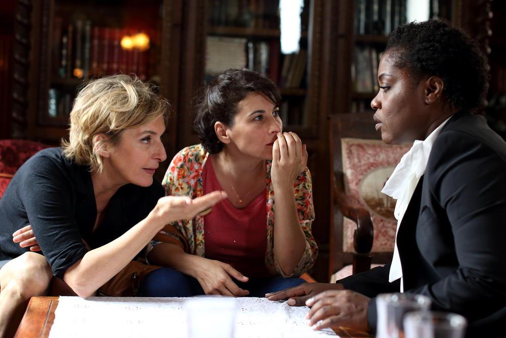 Photo Cécile Rebboah, Claudia Tagbo, Sophie Mounicot