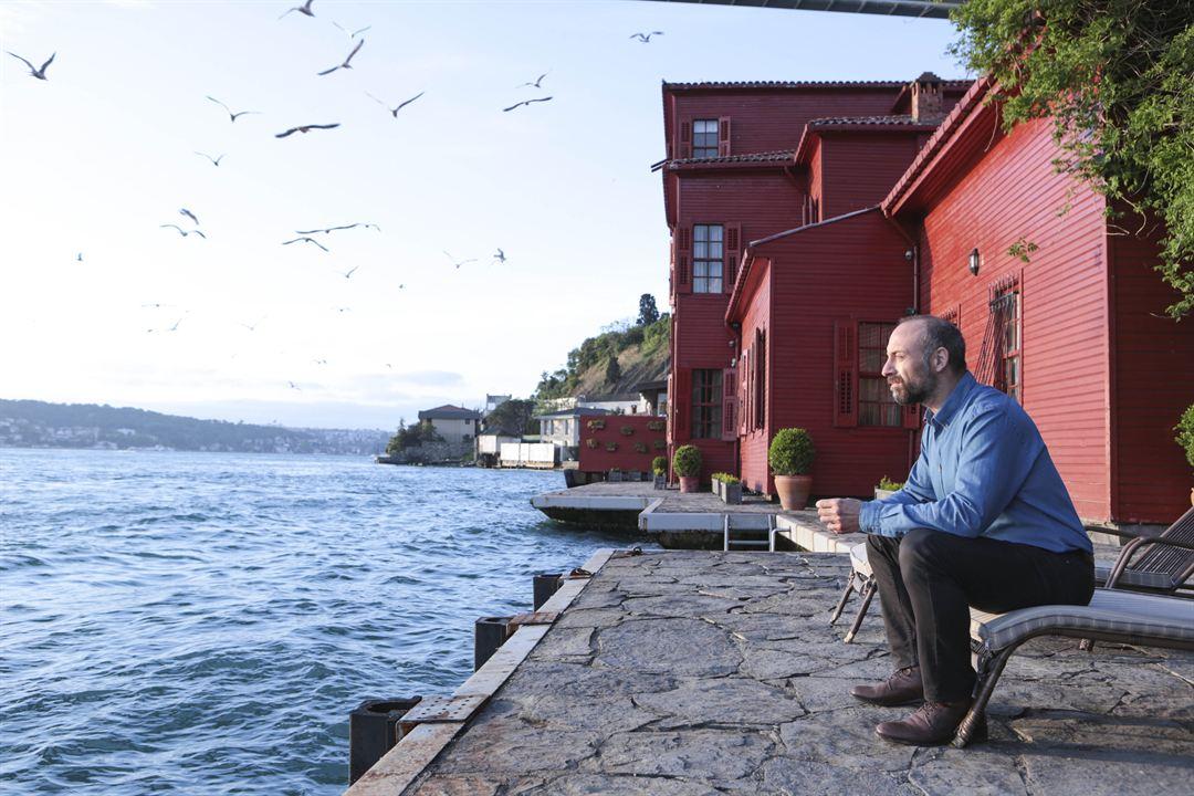 Istanbul Kirmizisi : Photo Halit Ergenç