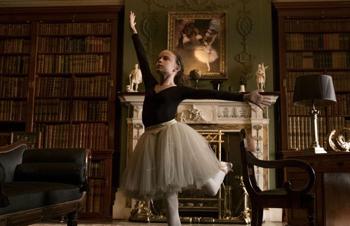 La Maison biscornue d'après Agatha Christie : Photo Honor Kneafsey