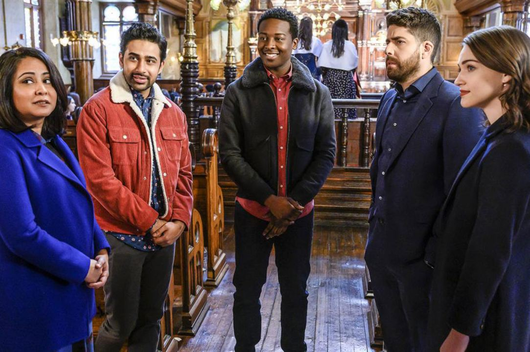Photo Adam Goldberg, Brandon Michael Hall, Parminder Nagra, Suraj Sharma, Violett Beane