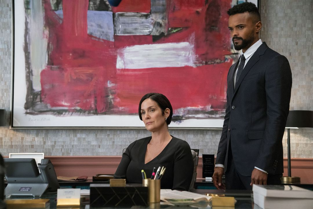 Photo Carrie-Anne Moss, Eka Darville