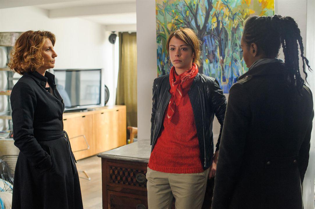 Photo Dorylia Calmel, Dounia Coesens, Nathalie Besançon