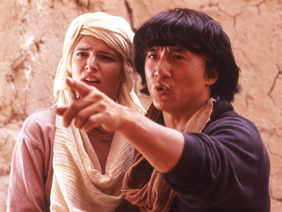 Opération Condor: Jackie Chan, Eva Cobo
